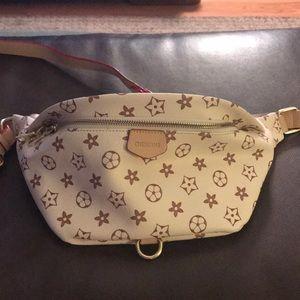 Handbags - Cute Crossbody/fanny pack